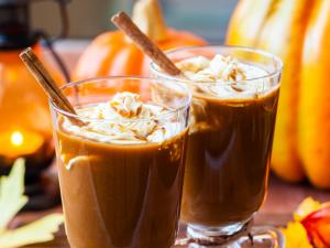Pumpkin Spice Latte (koffie verkeerd met pompoen specerijen)